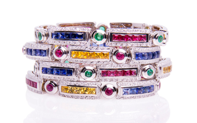 SET OF MULTICOLOR BRACELETS 790